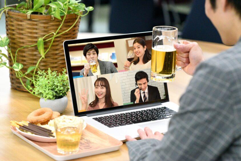 Skype(スカイプ)って何?意味は?無料or有料?お金かかるの?のサムネイル画像