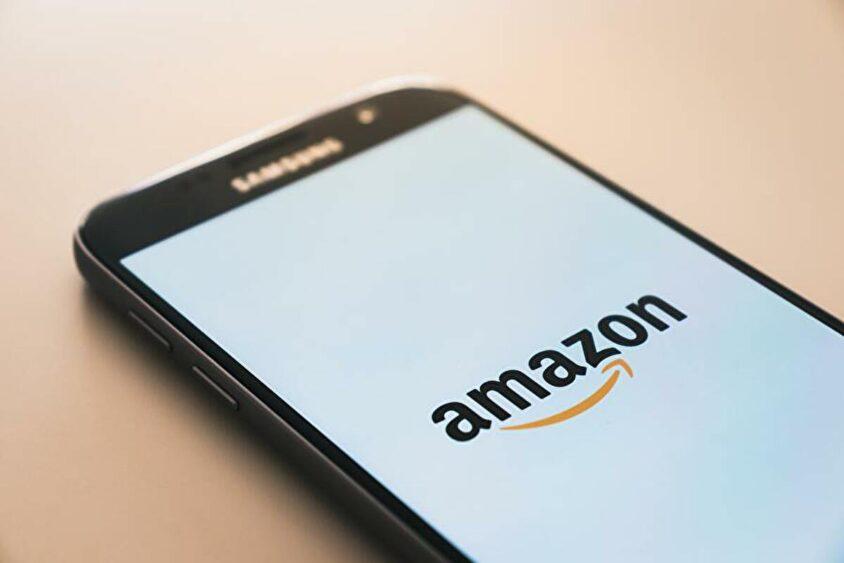 Amazon(アマゾン)で除外(マイナス)検索をする方法は?除外されない場合は?便利な検索方法も合わせて紹介!のサムネイル画像